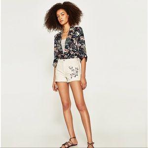 ⭐️NWOT⭐️ Zara Floral Embroidered Short